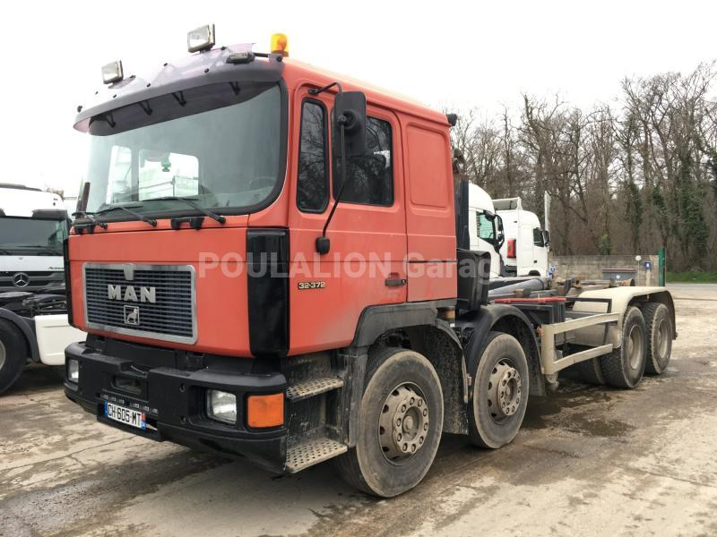 Camion MAN F2000 32.372 Polybenne