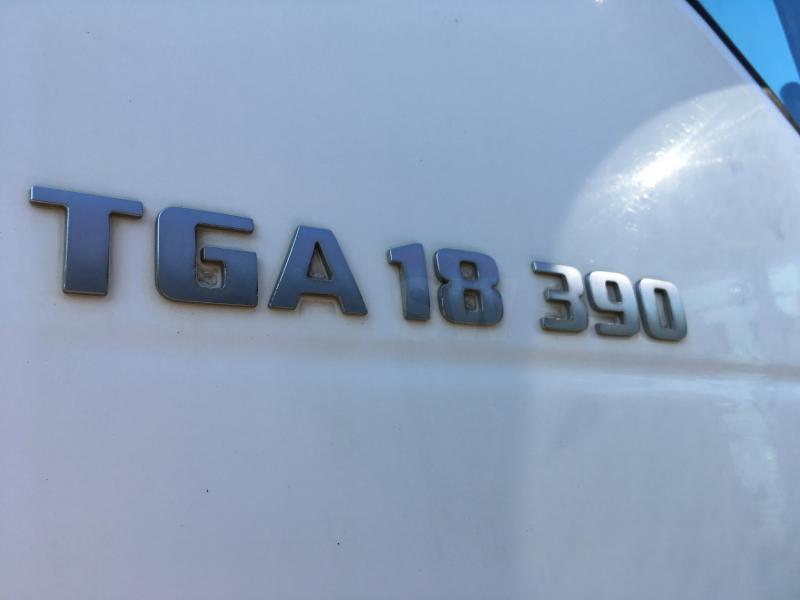 Tracteur MAN TGA 18.390