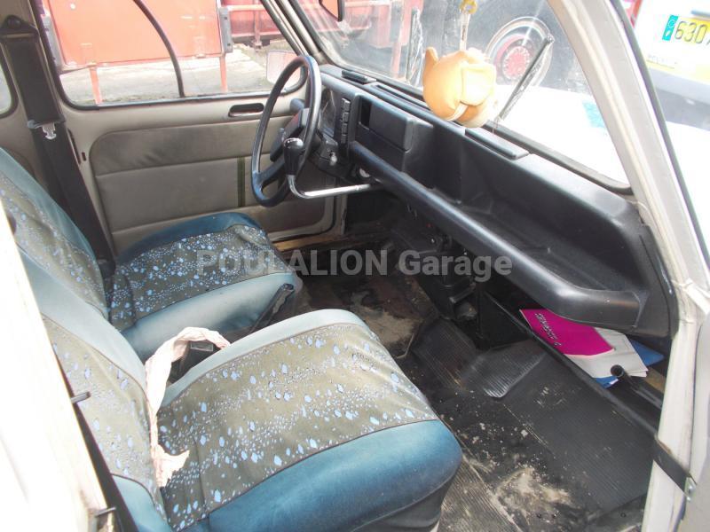 Voiture renault r4 berline garage g rard poulalion for Garage voiture renault