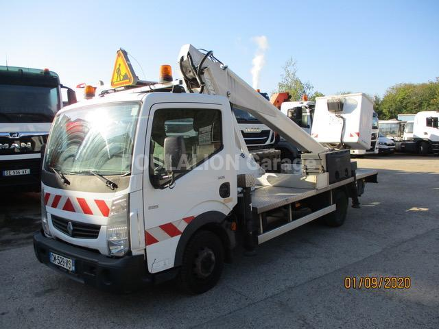 Utilitaire Renault Maxity 120.35 Nacelle