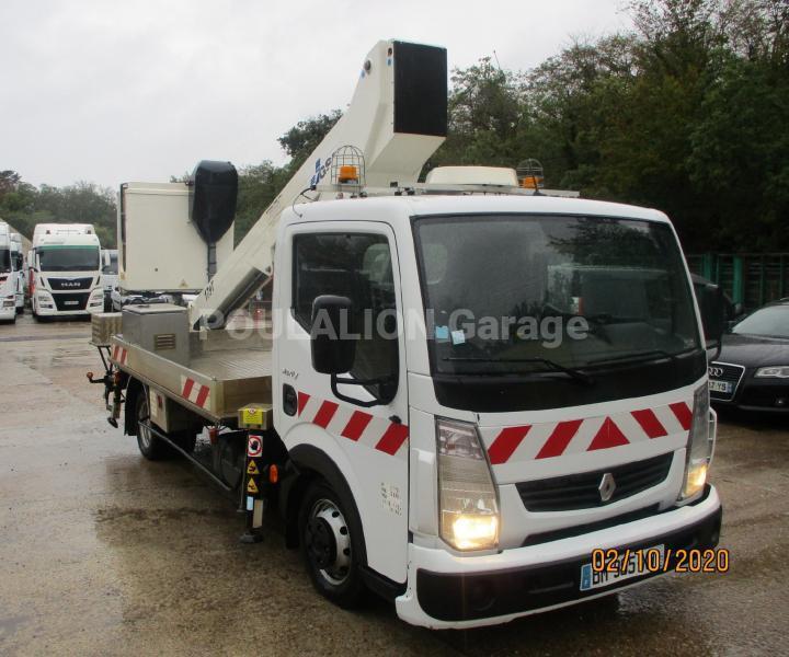 Utilitaire Renault Maxity 130.35 Nacelle