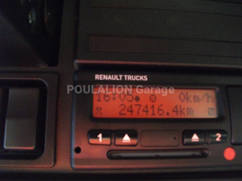 Tracteur Renault Kerax 520.26