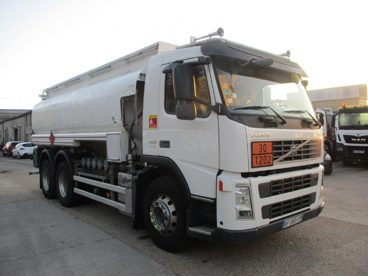 Camion Volvo FM 440 Citerne Hydrocarbures