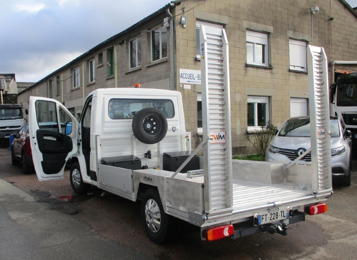 Utilitaire Peugeot Boxer 2,2L HDI 130 CV Véhicules spéciaux Porte engins