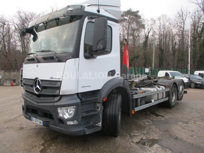 Camion Mercedes Antos 2543 Polybenne
