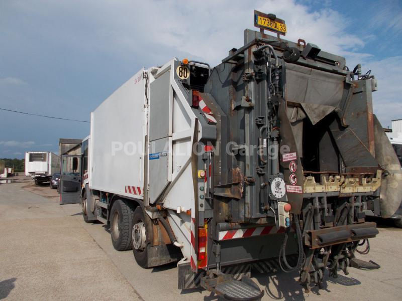Engin de voirie mercedes econic d2628 camion benne for Location benne a ordure