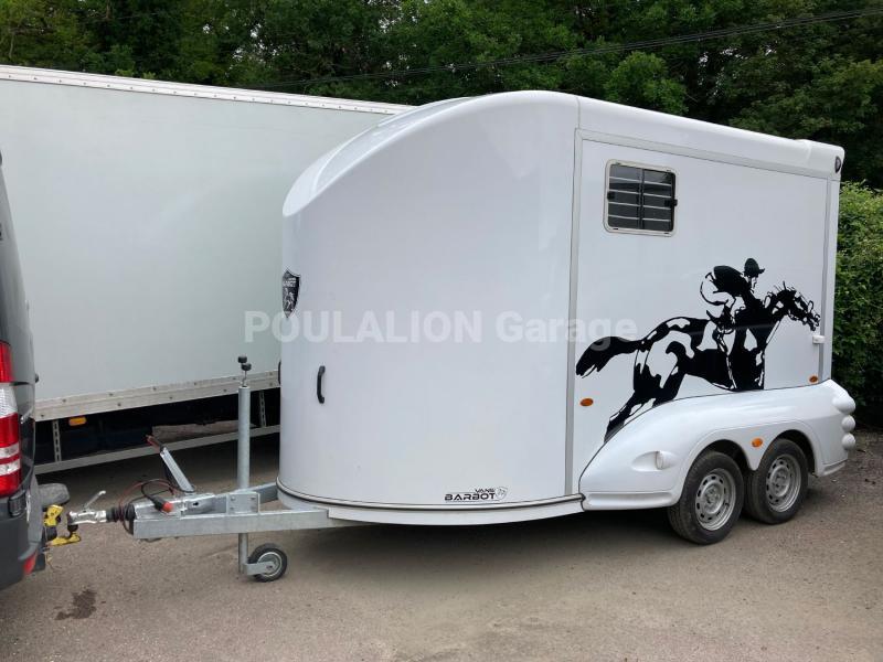 Remorque BARBOT CENTAURE 4000 STALLE Véhicules spéciaux Van à chevaux