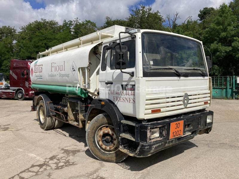 Camion Renault Gamme G 230 Citerne Hydrocarbures