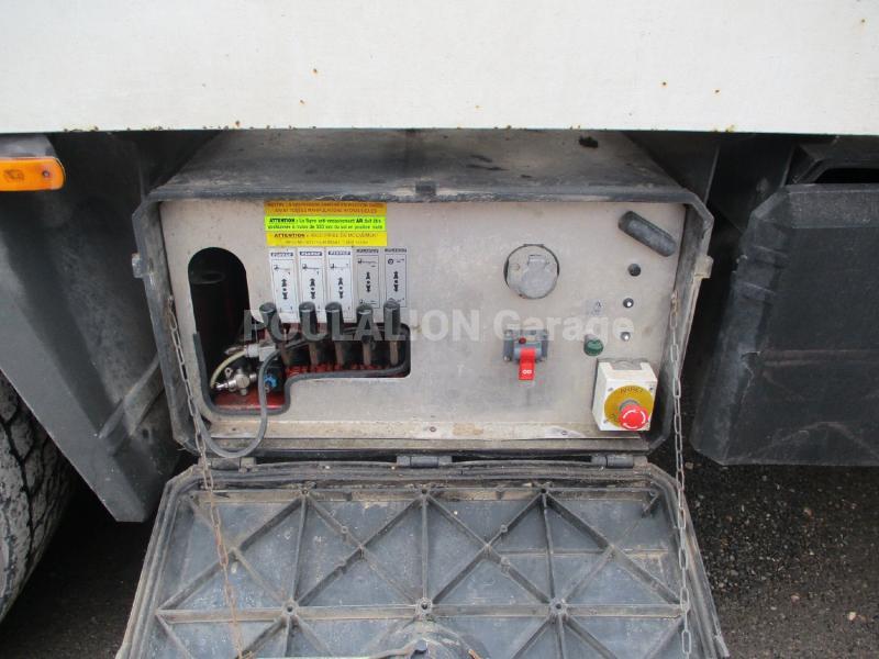 Camion Iveco Stralis 310 Porte engins