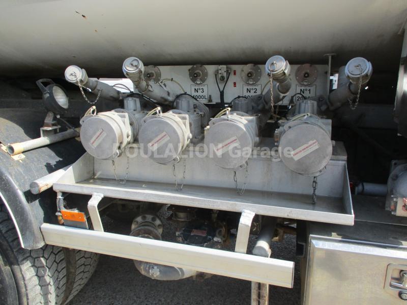 Camion Mercedes Axor 1833 KN Citerne Hydrocarbures