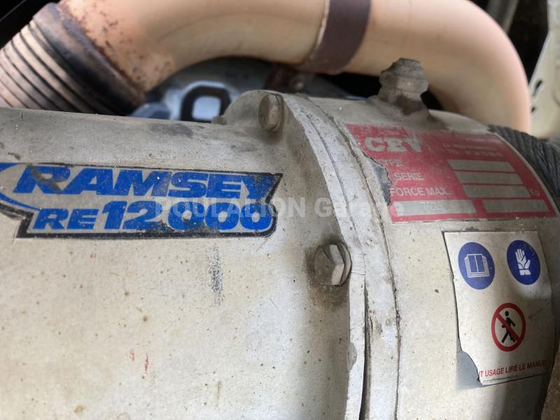 Camion Mercedes Axor 1828 Porte engins