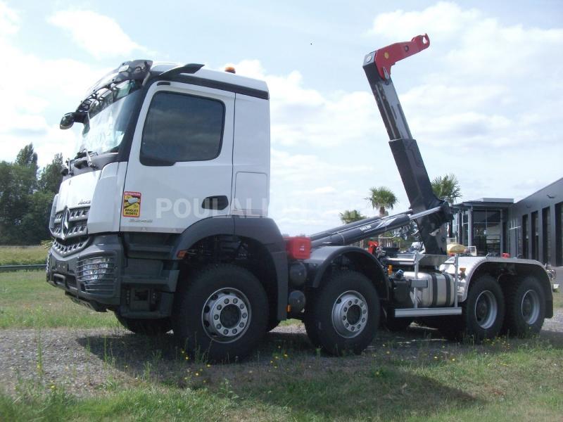 Camion Mercedes Arocs 3246 KN Polybenne