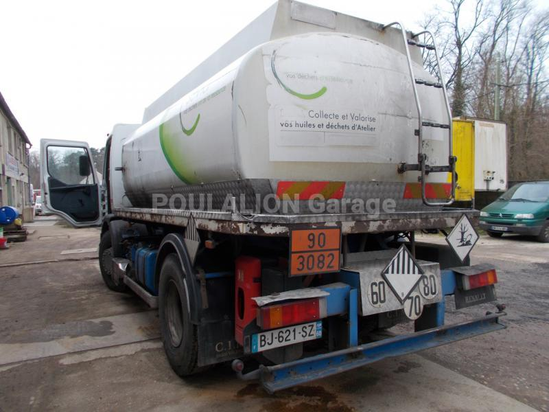 Camion renault premium 250 citerne hydrocarbures garage for Garage poids lourds paris