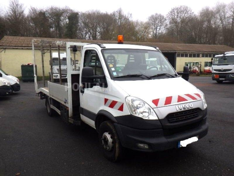 Camion Iveco Daily 70C15L Porte engins