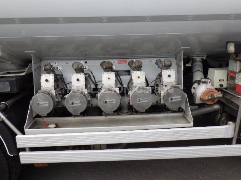 Camion Renault Premium 320.26 S Citerne Hydrocarbures