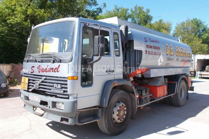 Camion Volvo FL6 619 Citerne Hydrocarbures