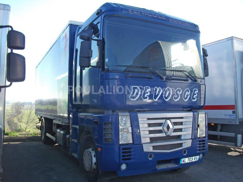 Camion Renault AE 400 Fourgon