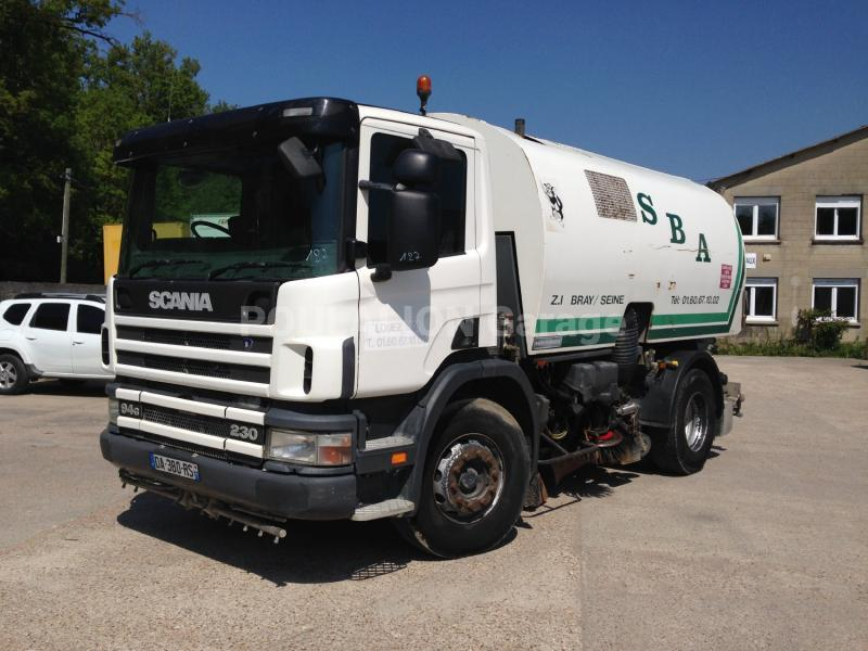 Engin de voirie Scania G 94G230 Camion balayeuse