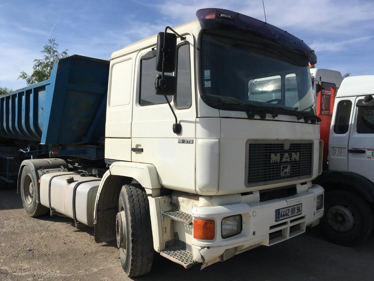 Tracteur MAN F2000 19.372