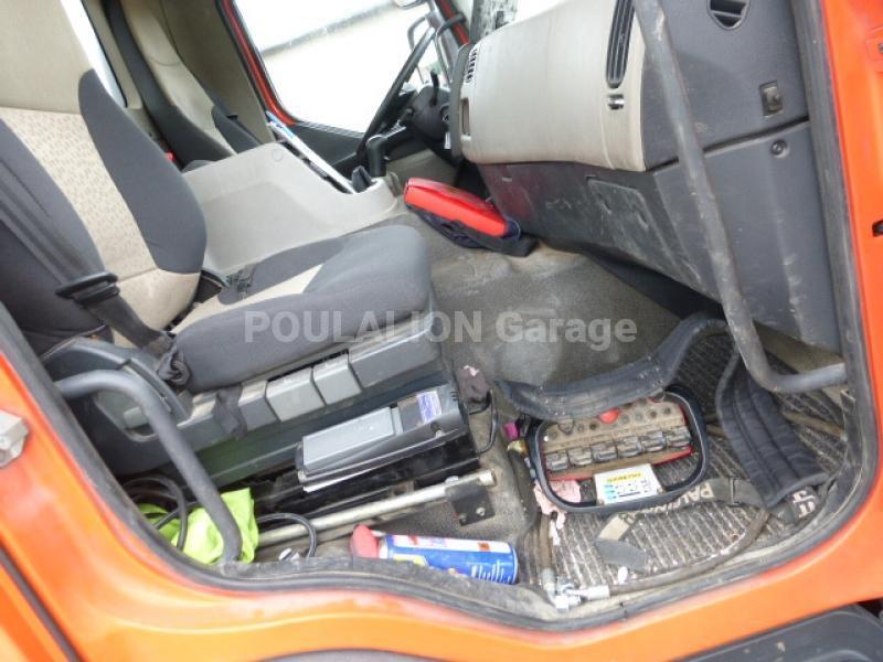 Camion Renault Kerax 410.32 Plateau