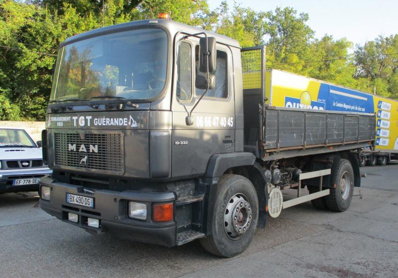 Camion MAN F90 19.332 Benne Benne arrière