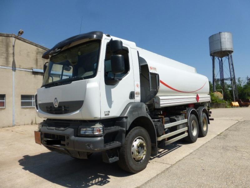 Camion Renault Kerax 370.26 (6X4) Citerne Hydrocarbures