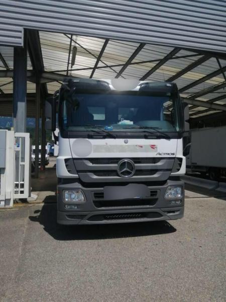 Mercedes Actros 2633