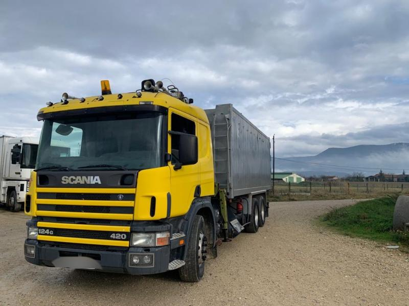 Camion Scania P 124 GB 420