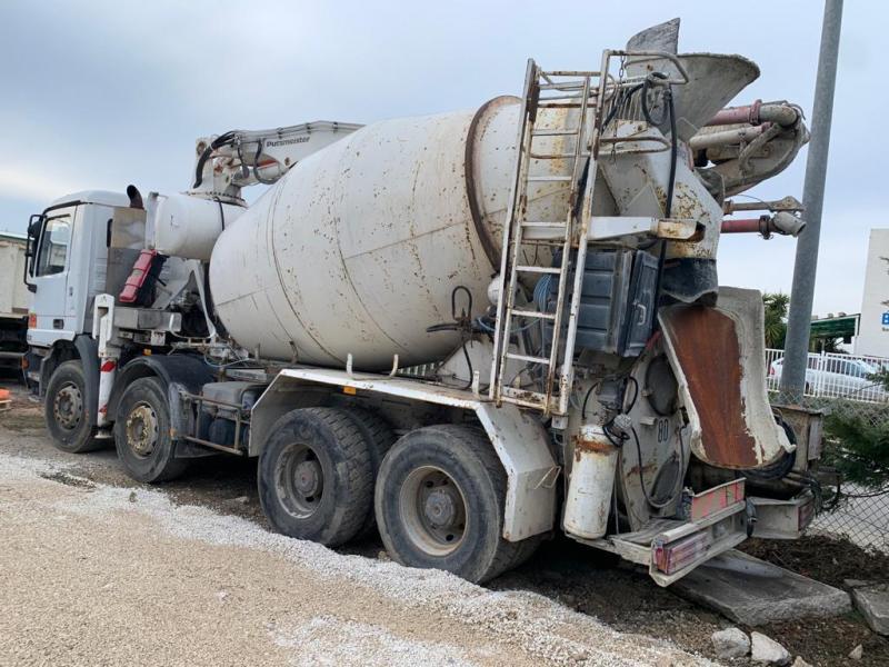vrachtwagen Mercedes Actros
