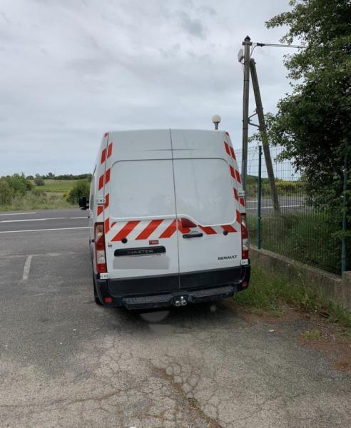 samochód dostawczy Renault Master 150 DCI