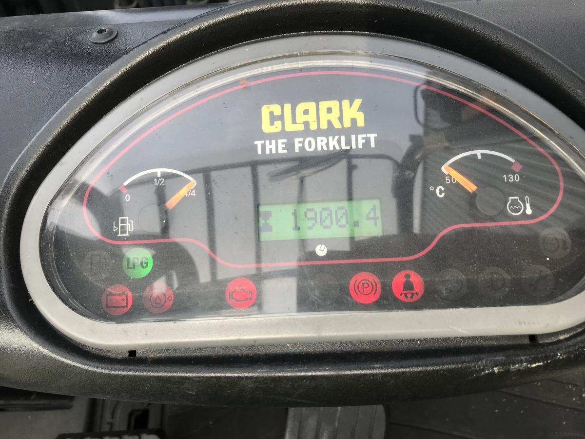 Chariot élévateur Clark Non spécifié