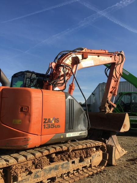 Pelle Hitachi ZX135 US-5B