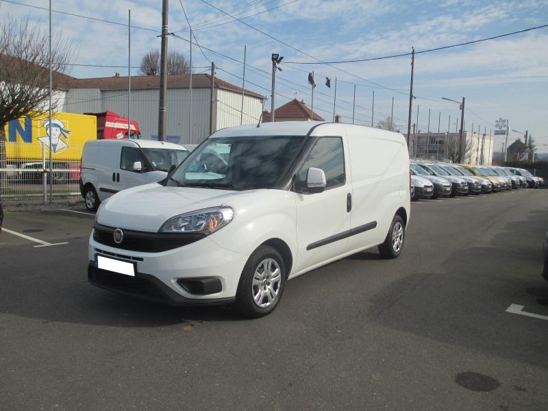 Utilitaire Fiat Doblo Cargo Fourgon Fourgon tôlé