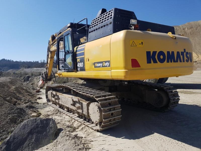 Excavator Komatsu PC490-LC11