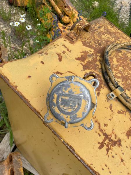 Pièces détachées CATERPILLAR 8P408 RESERVOIR CARBURANT 769C