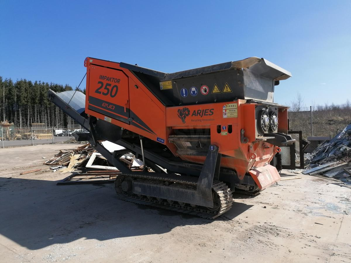 Trituración/reciclaje ARJES IMPAKTOR 250