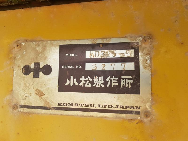 Tombereau Komatsu HD325-5