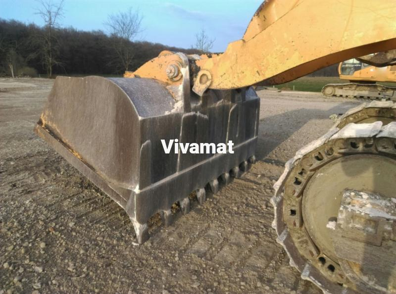 loader Liebherr LR641