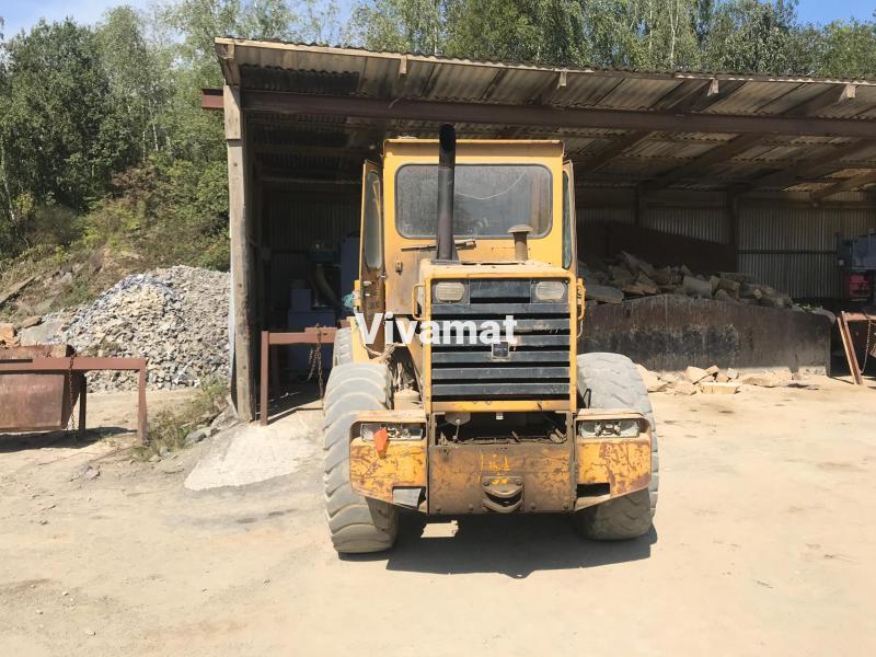 Pá carregadora Volvo BM 4200