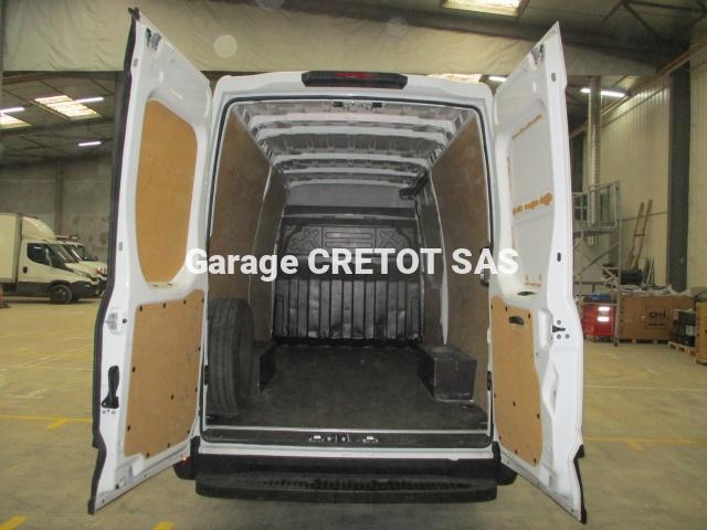 Fourgon Iveco Daily 35S14V12 Fourgon tôlé