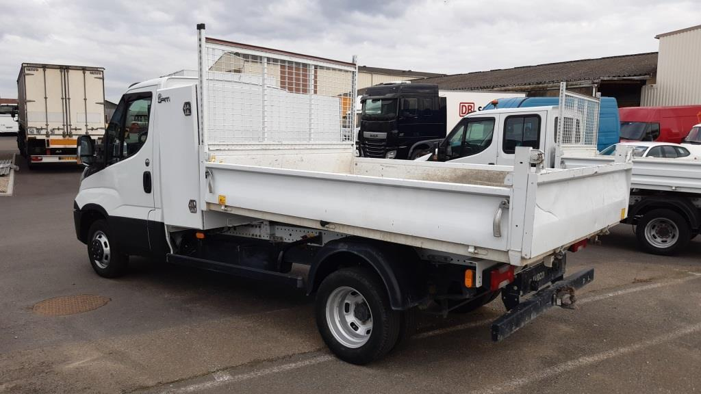 Benne Iveco Daily 35C14 Benne arrière