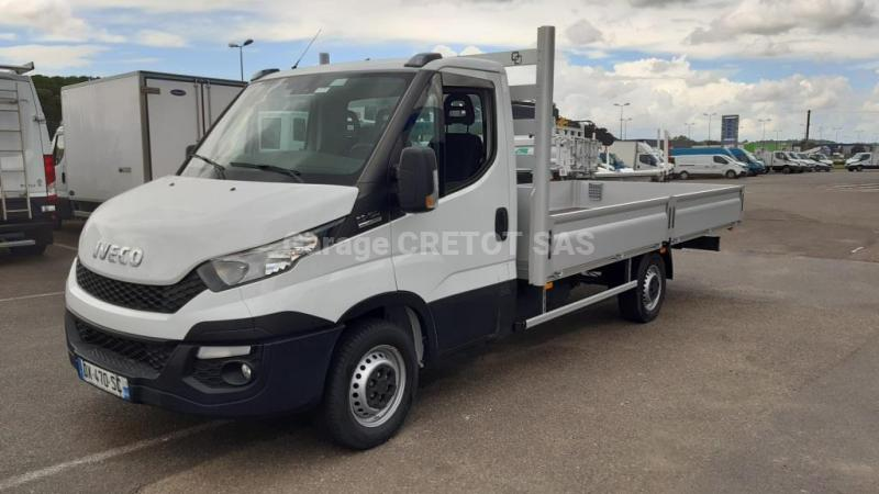 Utilitaire Iveco Daily 35S13 Plateau