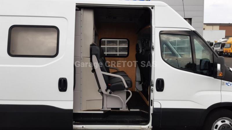 Fourgon Iveco Daily 35C15V Fourgon tôlé