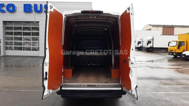 Fourgon Iveco Daily 35S18V12 Fourgon tôlé