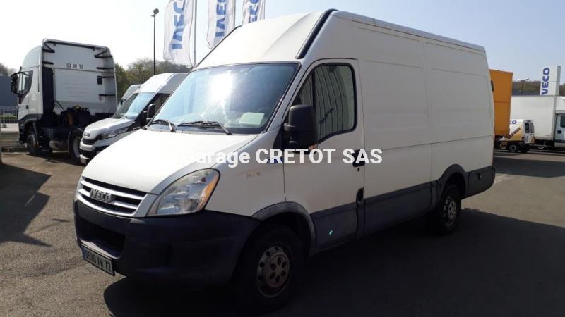 Utilitaire Iveco Daily 35S12V12 Fourgon Fourgon tôlé
