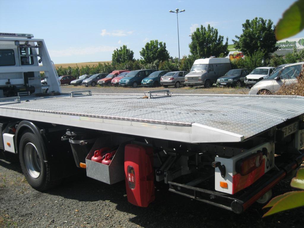 Véhicules spéciaux Iveco Eurocargo ML 150 E 25 D/P Dépannage