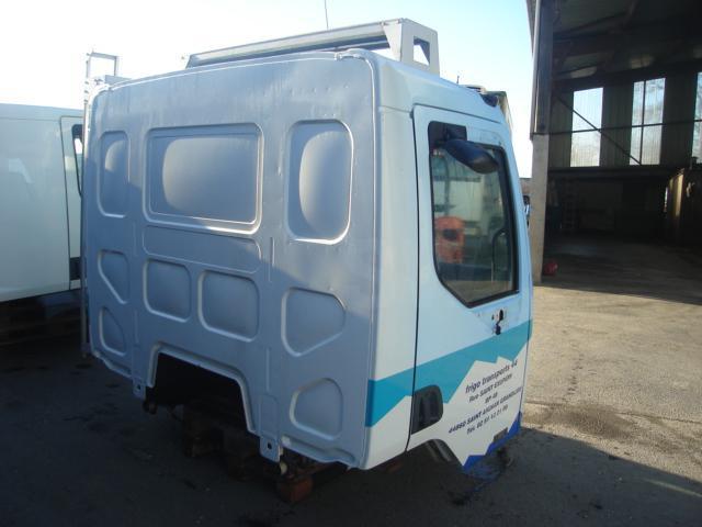 Cabine Renault CABINE MIDLUM 180
