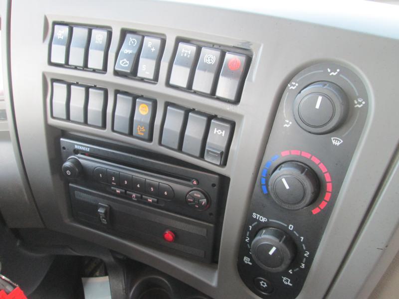 RenaultPremium Lander380.19